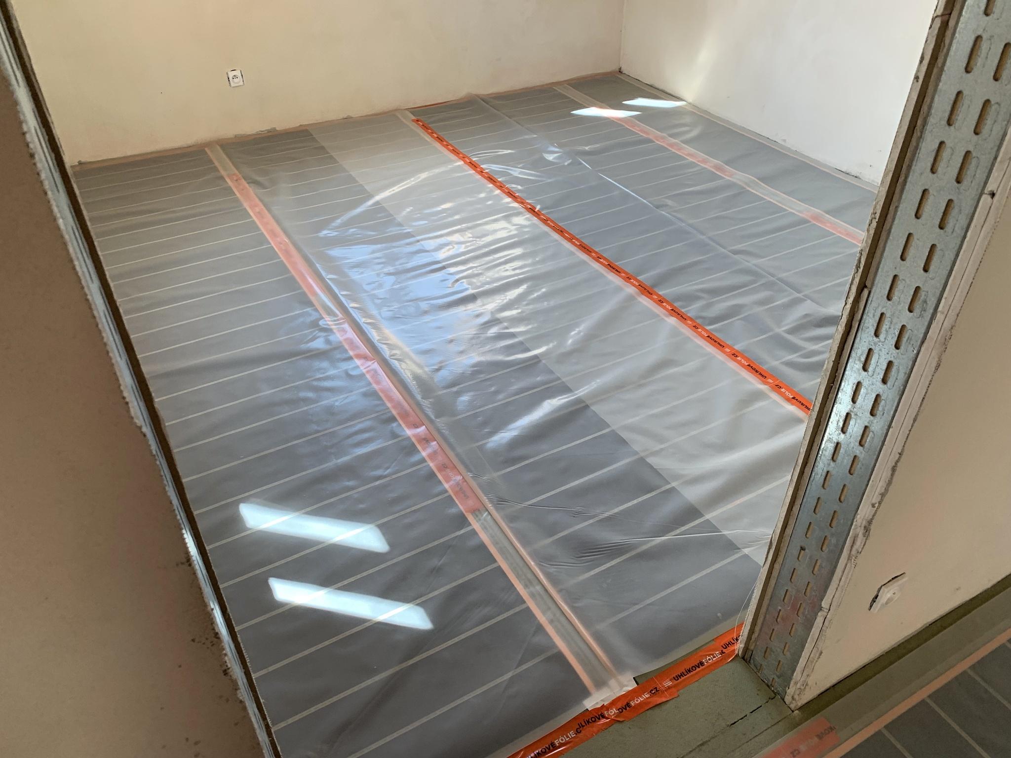 LARX uhlikove folie instalace pod krytinu